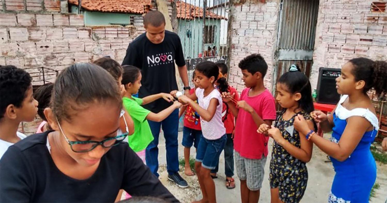 Em um país sem uma estratégia governamental coordenada para combater a disseminação do novo coronavírus, o alcance de uma igreja metodista pode ser a única ajuda que algumas dessas comunidades recebem. Foto cedida por UMCOR.