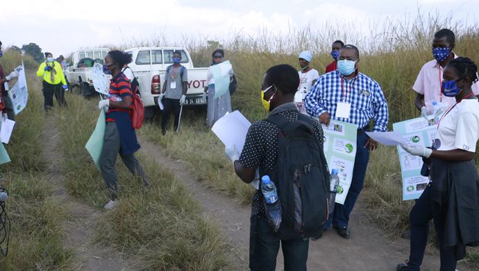 Equipe de voluntários preparados para entrarem em acção nas comunidades circunvizinhas de Quessua, Malanje. Foto de João Nhanga.