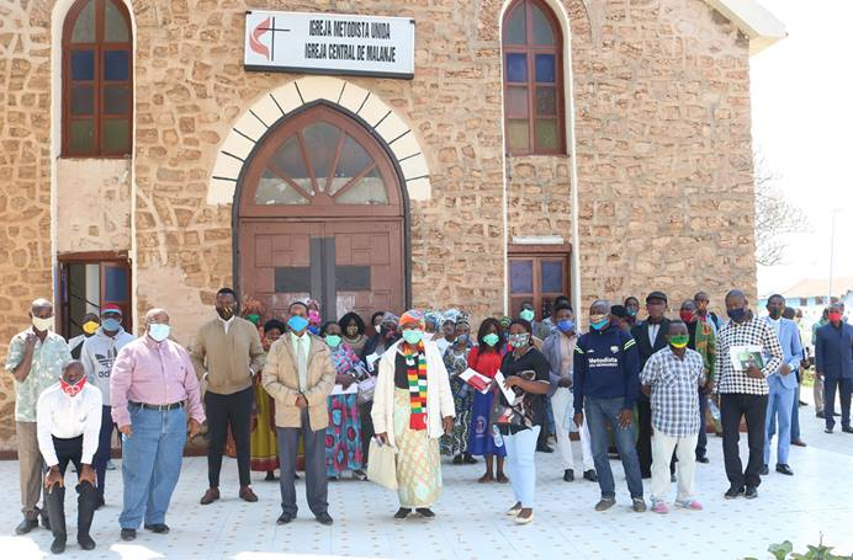 Foto de família após a formação da COVID-19 na Igreja Central de Malanje, Angola. Foto de João Nhanga.