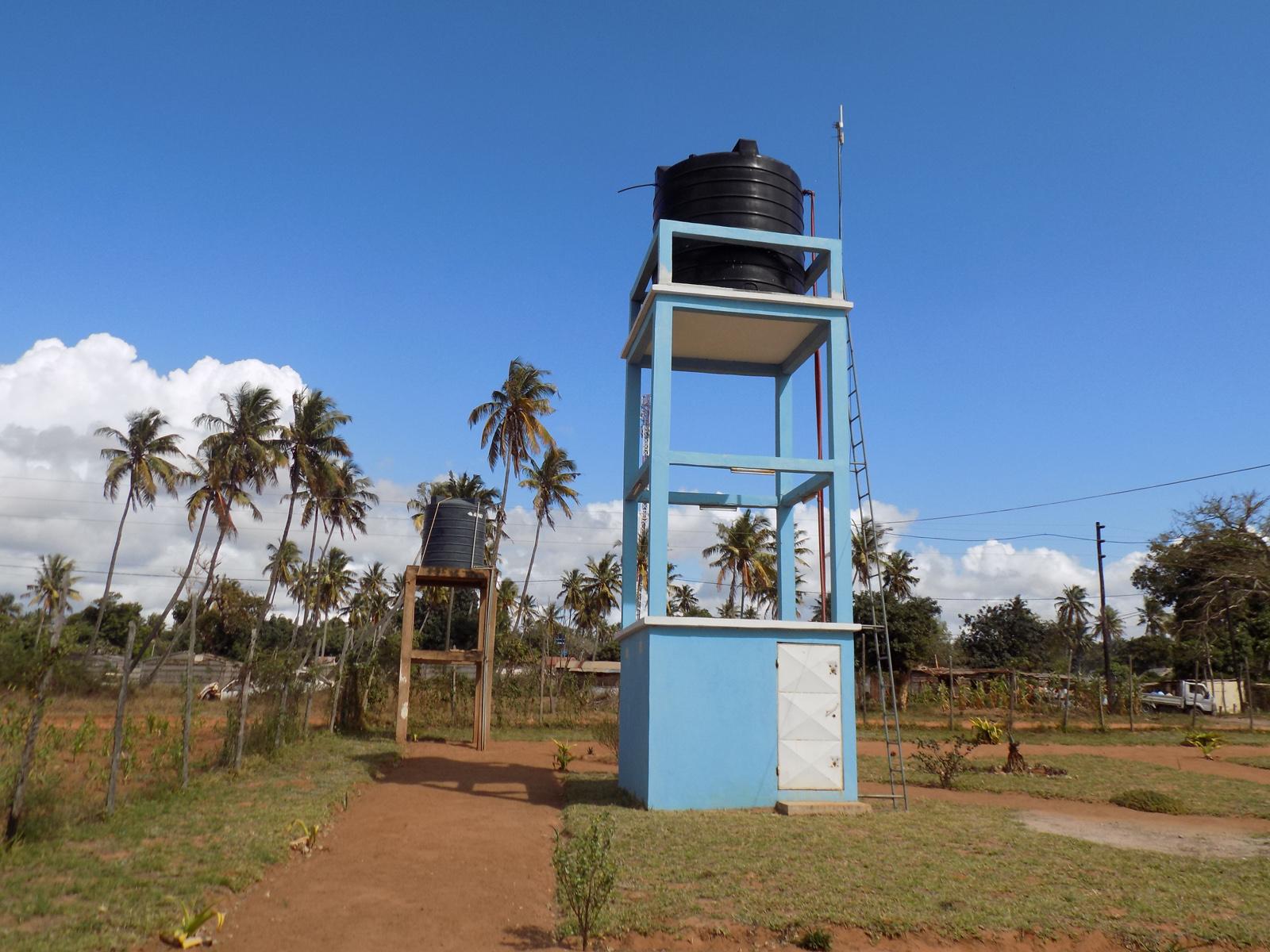 Um dos sistemas de abastecimento de água às populações na Missão de Chicuque no Inhambane, Moçambique. Foto de Antônio Wilson.