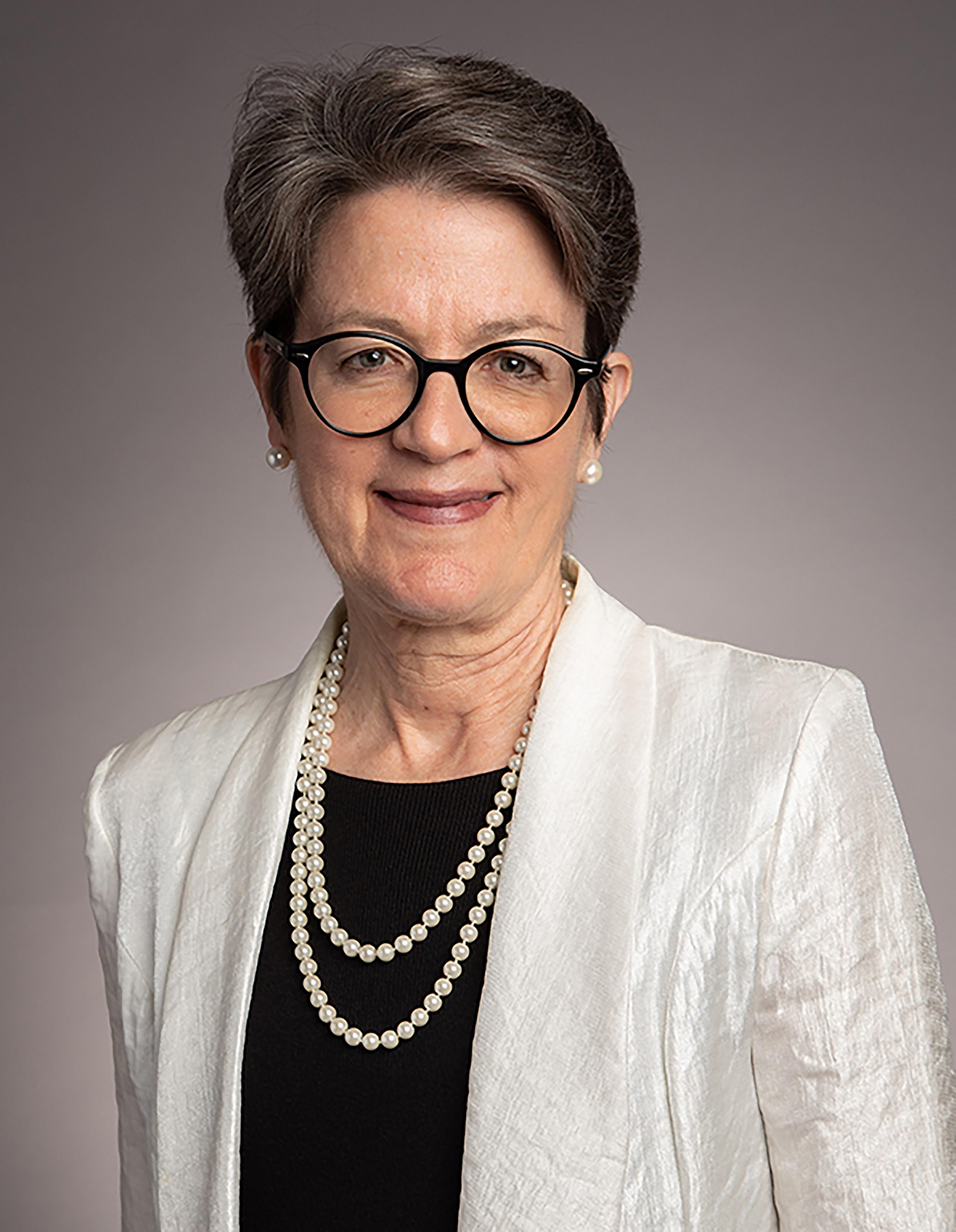 La Obispa Sally Dyck, co-líder episcopal de la Junta Directiva del PNMH y líder de la Conferencia Anual del Norte de Illinois. Foto cortesía de la Conferencia Anual del Norte de Illinois.
