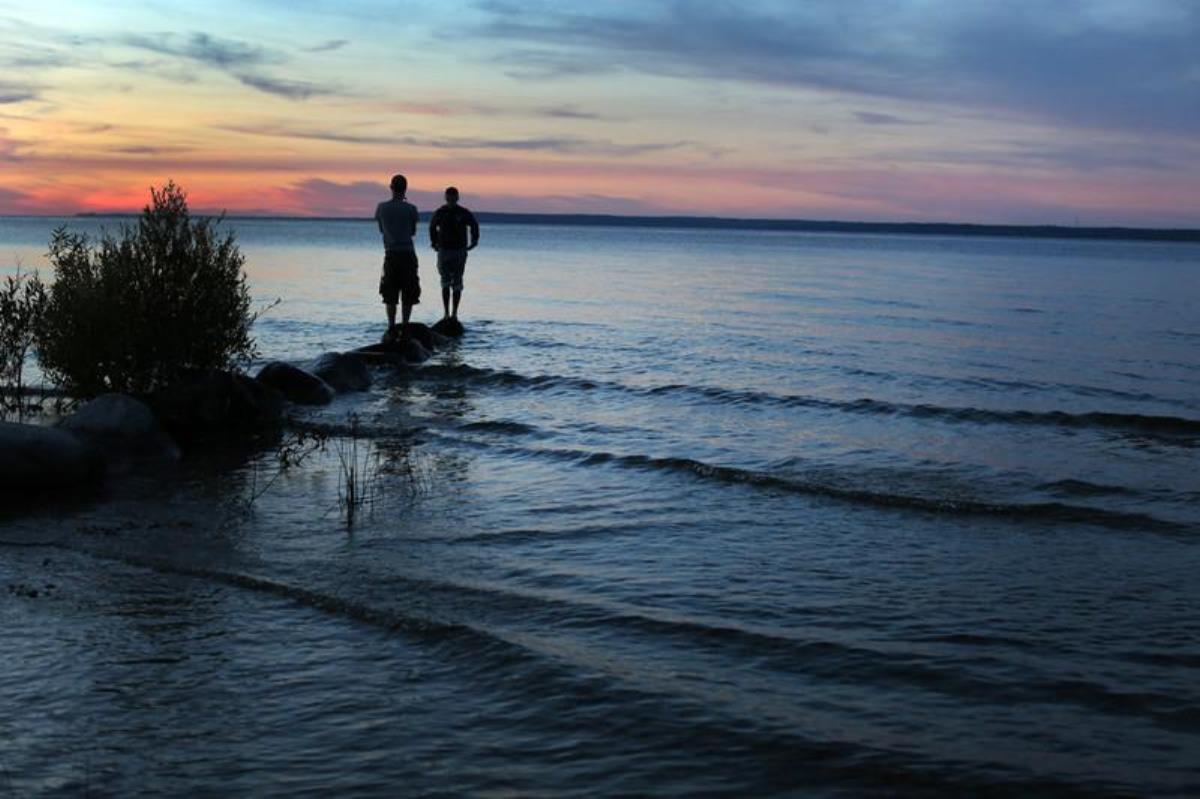 사진, 휴론 호수(Lake Huron)의 해질녘, 케서린 베리, 연합감리교뉴스.