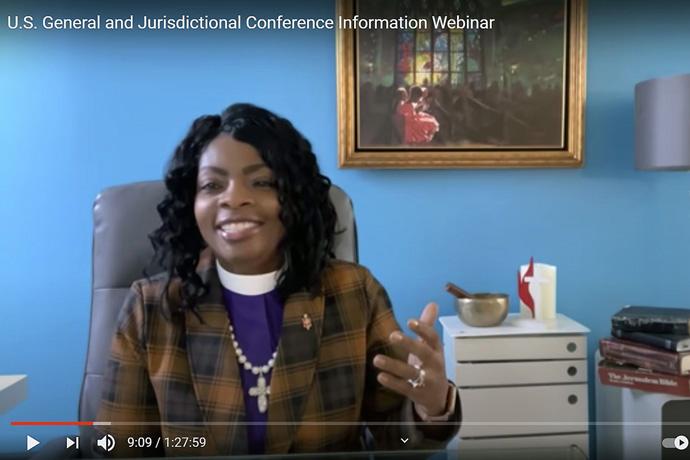 La Obispa Cynthia Moore-Koikoi de la Conferencia Anual del Oeste de Pensilvania facilita el seminario informativo en línea de la Conferencia General y Jurisdiccional de los Estados Unidos, organizado por el Concilio de Obispos/as el 13 de febrero. Captura de pantalla cortesía de Comunicaciones Metodistas Unidas para Noticias MU.