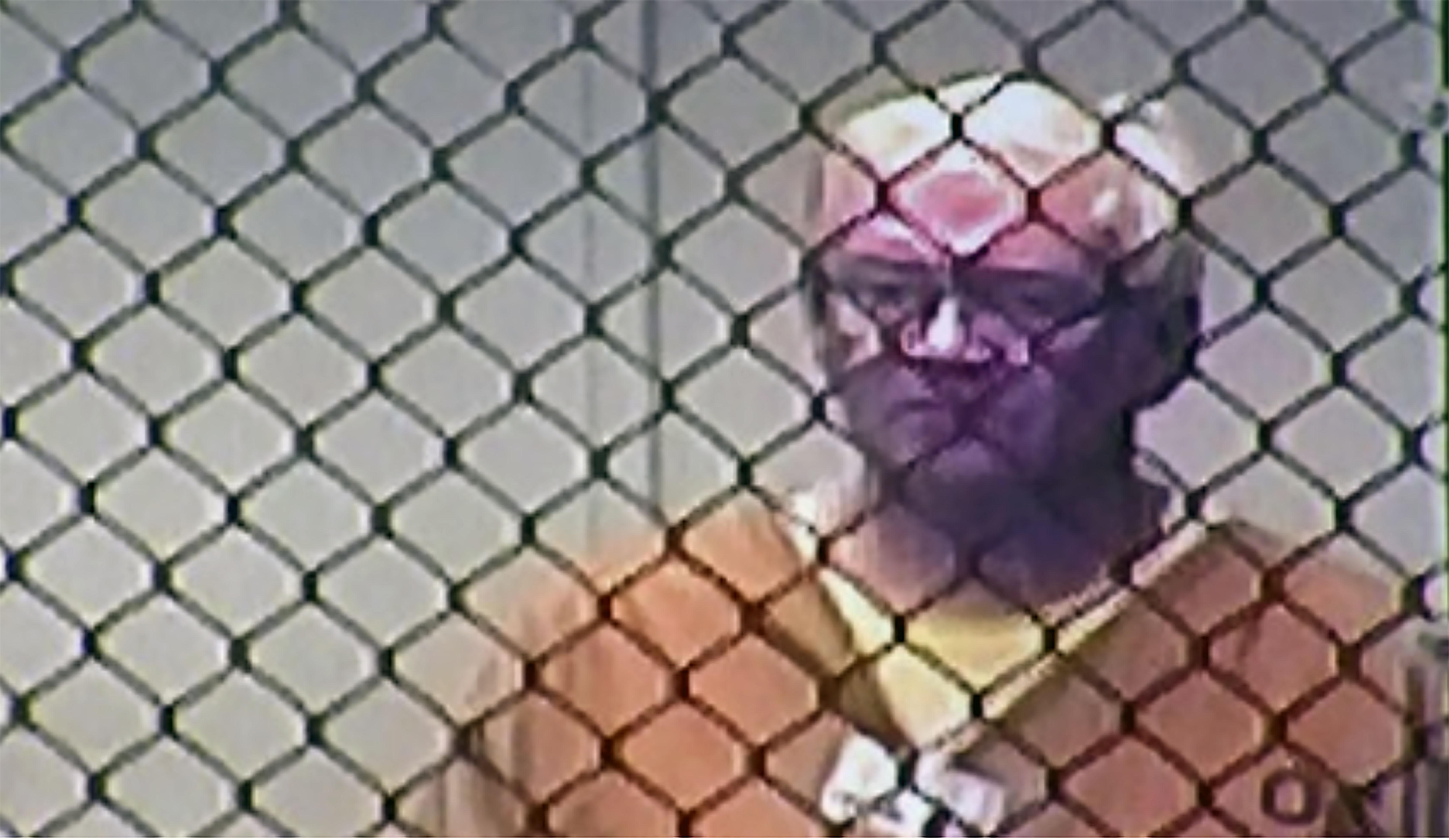 John Rodgers McFarland, 67, ex-pastor Fullerton IMU, foi preso em 9 de maio de 2019 e acusado de crimes por abuso sexual de sete meninas com idades entre 5 e 15 anos. Foto: captura de tela cortesia da NBC Palm Spring.