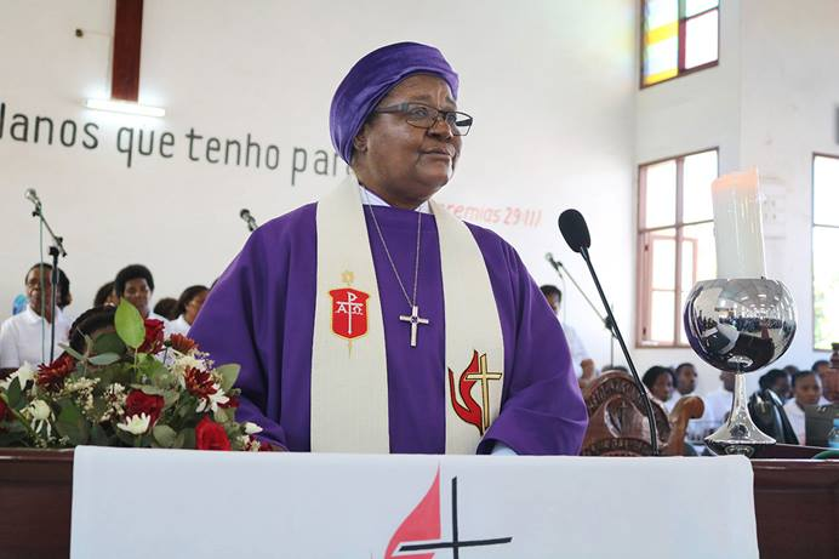 Bispa Joaquina Filipe Nhanala proclama a palavra durante a Conferência Anual de Moçambique Sul em 2019, Matola, Moçambique. Foto de arquivo de João Filimone Sambo, Noticias da MU.