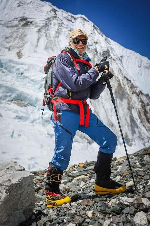Una lesión en el tobillo no le permitió a Art lograr su objetivo en su primer intento de escalar el Everest en 2019. Foto cortesía de Charles Muir.
