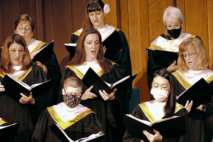 Choir members at First United Methodist Church in Denton, Texas, offer an anthem for a June 6 worship service. This marked the first time the church had gathered in the sanctuary since the pandemic closed churches in March 2020. Photo by Sam Hodges, UM News.