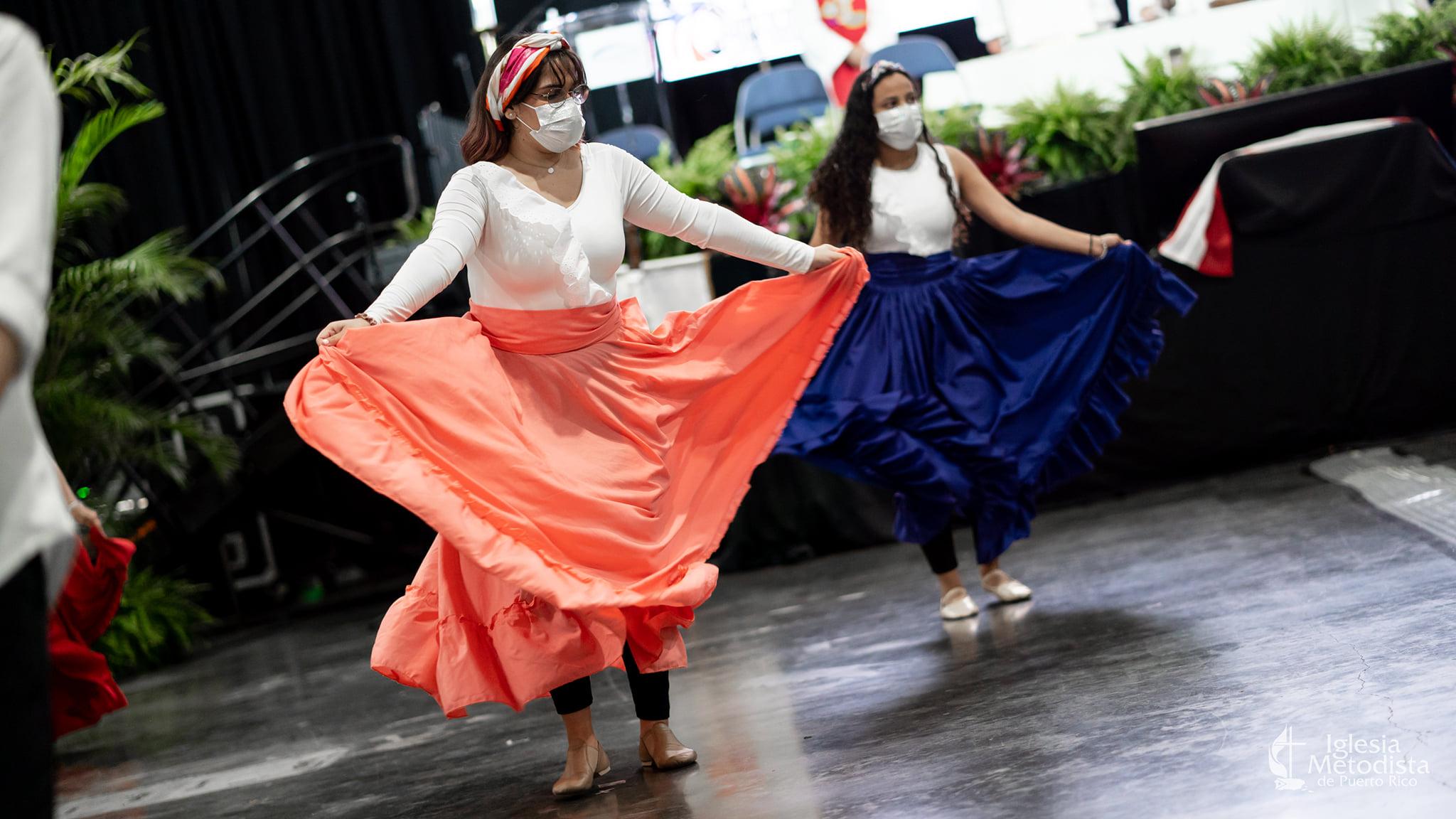El servicio de apertura estuvo enriquecido con diversas expresiones litúrgicas enraizadas en expresiones  culturales nacionales puertorriqueñas. Foto Iglesia Metodista de Puerto Rico.