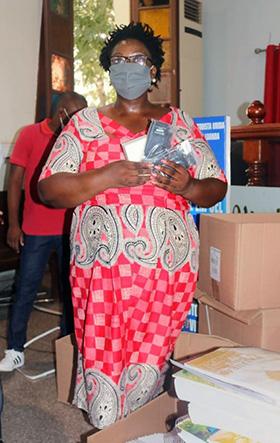 Cláudia Pinto, Coordenadora de Programas da Sociedade Bíblica. Luanda, foto de Augusto Bento.