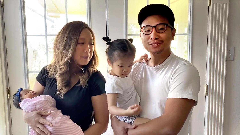 El Rev. Mike Whang, de la Iglesia Metodista Unida (IMU) Oikon en Houston, presenta uno de los cultos en línea con su familia el 23 de agosto de 2020. Foto cortesía de  IMU Oikon.