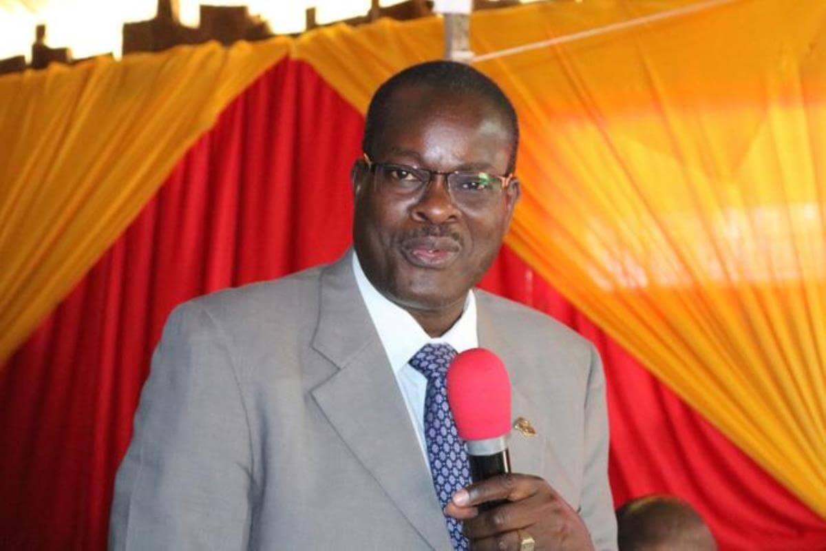 동아프리카 감독구를 맡고 있는 다니엘 완다불라 감독이 케냐 메루에서 열린 2019년의 케냐-에디오피아 연회에서 환영사를 하고 있다. 총회 재무행정협의회는 감독의 긴급 재정 지원 요청을 거부하고, 고질적인 회계 감사 문제를 해결하라고 촉구했다. 사진, 가드 마이가, 연합감리교뉴스.