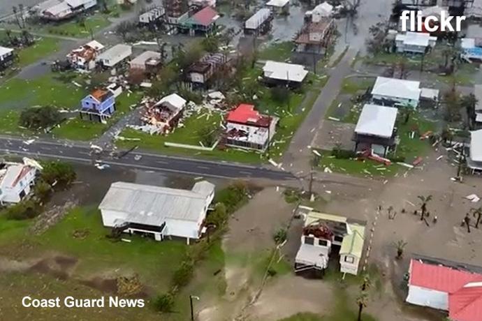 La Guardia Costera lleva a cabo sobrevuelos posteriores al huracán Ida a lo largo de la costa del golfo el 30 de agosto, cuando realizaron vuelos de búsqueda y rescate de incidentes críticos y evaluaron los daños a lo largo de la región de la costa del golfo de Luisiana causados por el huracán Ida. Video cortesía de la Guardia Costera de los Estados Unidos a través de Flickr.