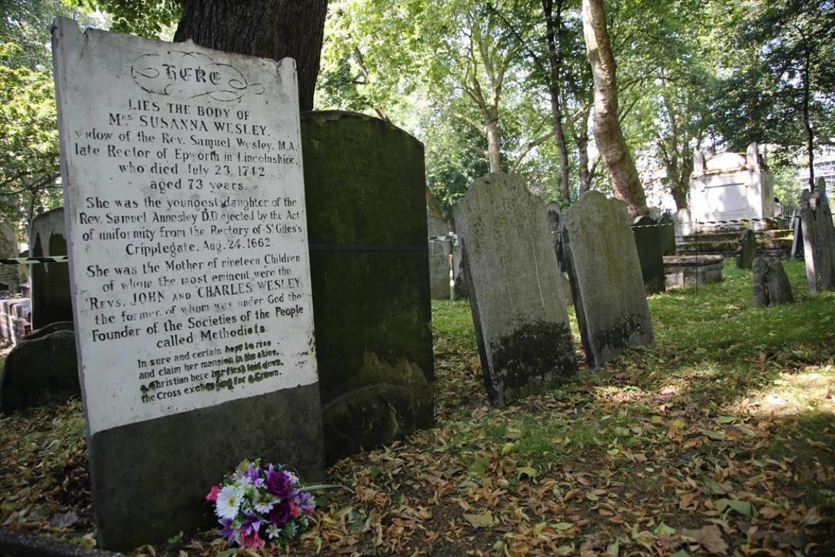 영국 런던 웨슬리채플 건너편에 있는 비국교도(Dissenter) 묘지에 잠들어 있는 수잔나 웨슬리의 묘비.