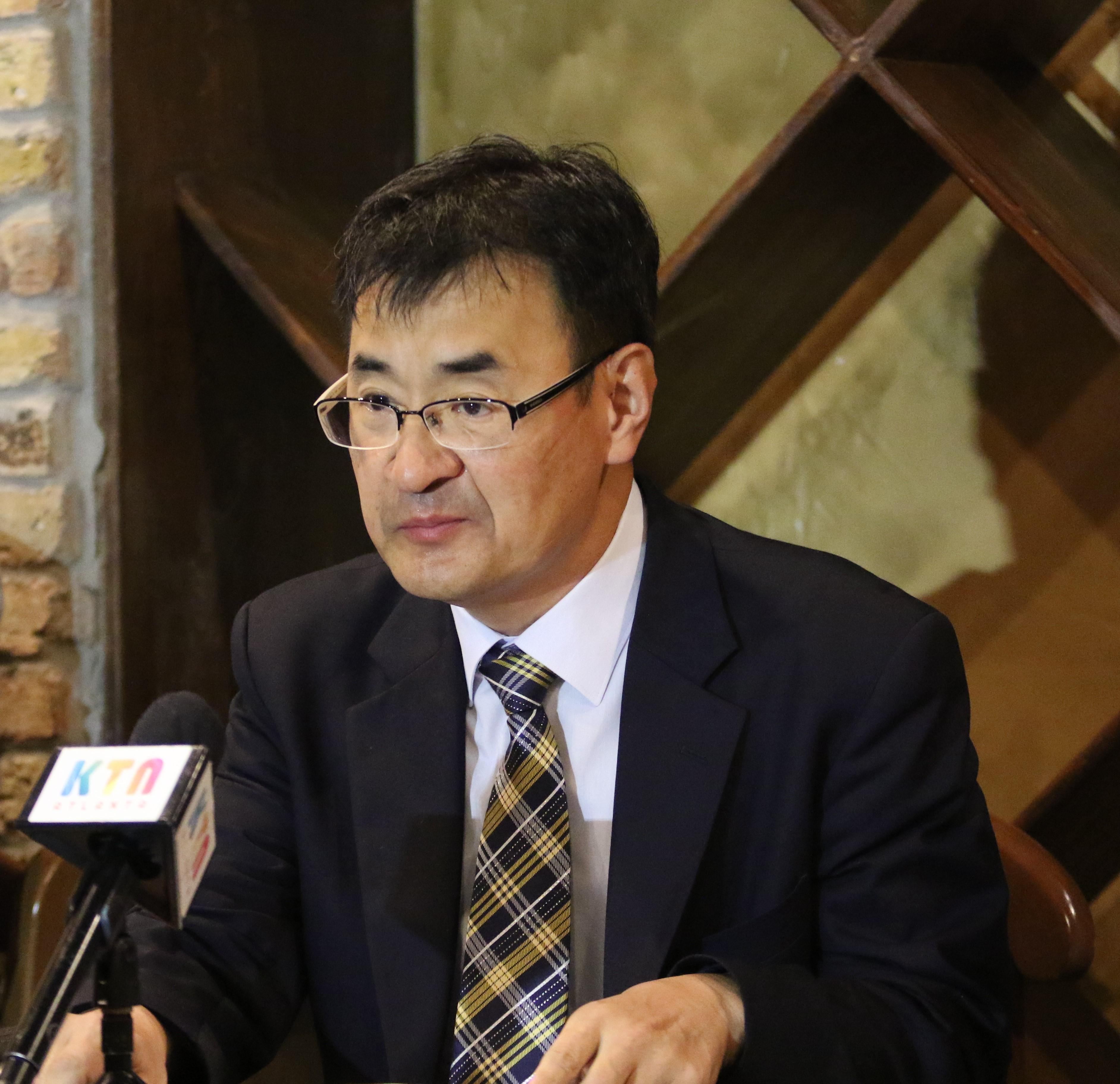 김세환 목사는 9월 20일 오전 아틀란타 인근 둘루스에 위치한 한 카페에서 기자회견을 열고, 북조지아 연회 사법위원회의 기각에도 불구하고 자신을 라그랜지한인교회로 파송한 결정에 불복하겠다는 입장을 밝혔다. 사진, 김응선, 연합감리교뉴스.